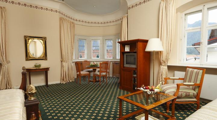hotel hotel residenz heinz winkler aschau i chiemgau restaurantf hrer gusto. Black Bedroom Furniture Sets. Home Design Ideas